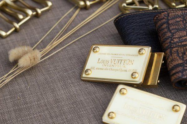 Mặt khóa thắt lưng nam, Louis Vuitton 8