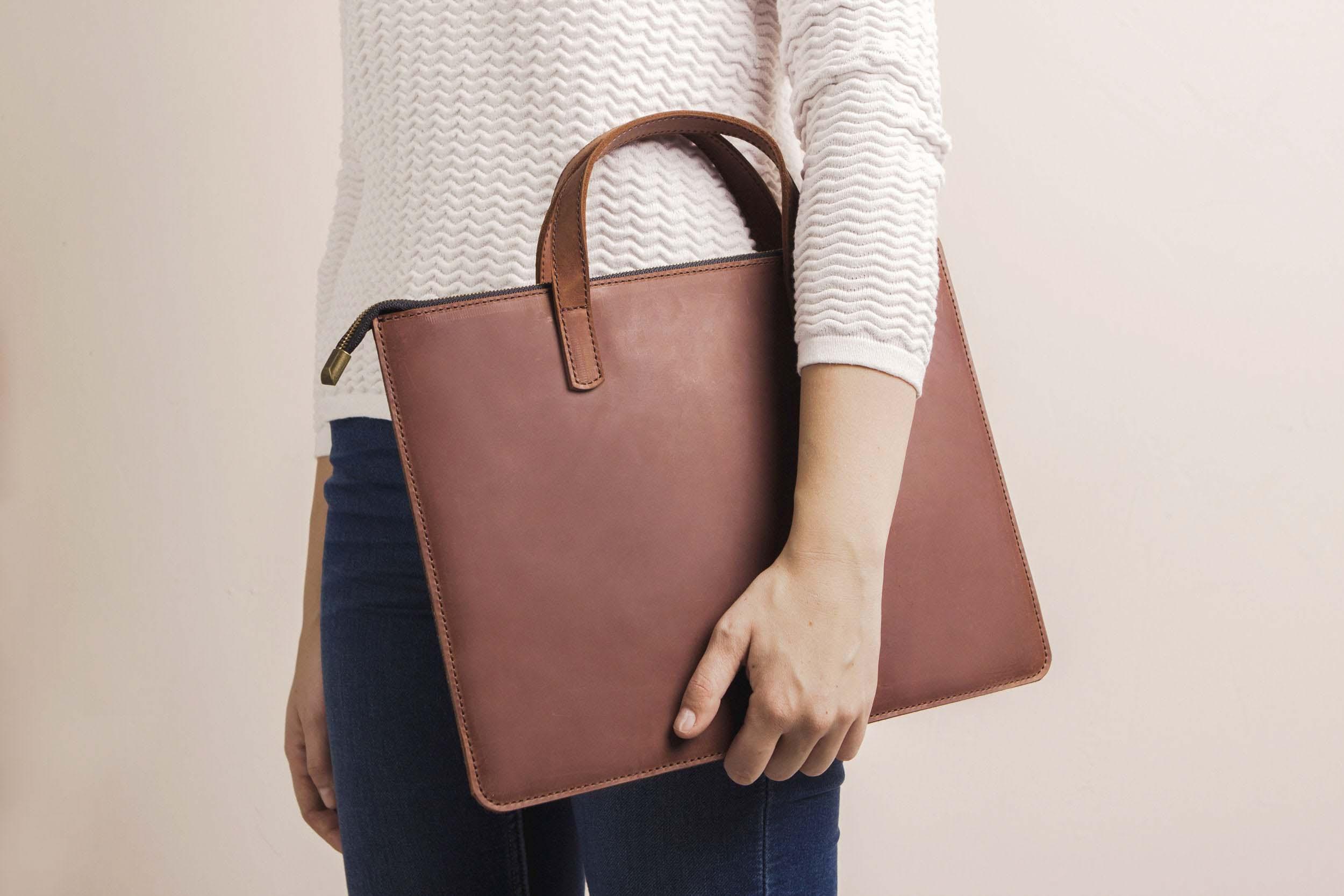Túi da handmade đựng Macbook Pro 15 17
