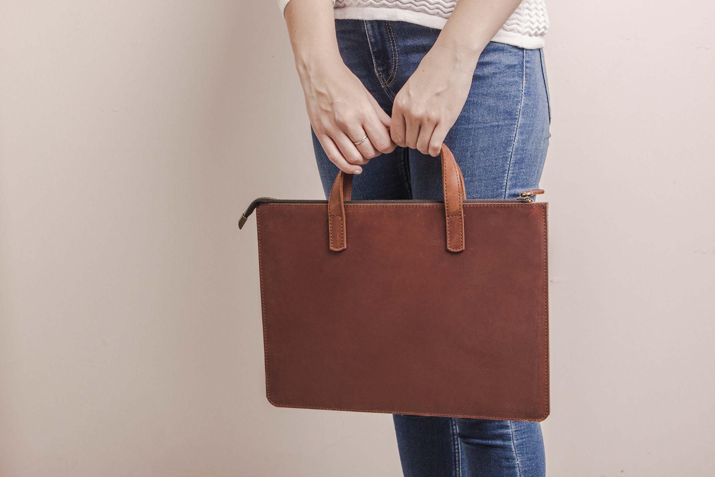 Túi da handmade đựng Macbook Pro 15 18
