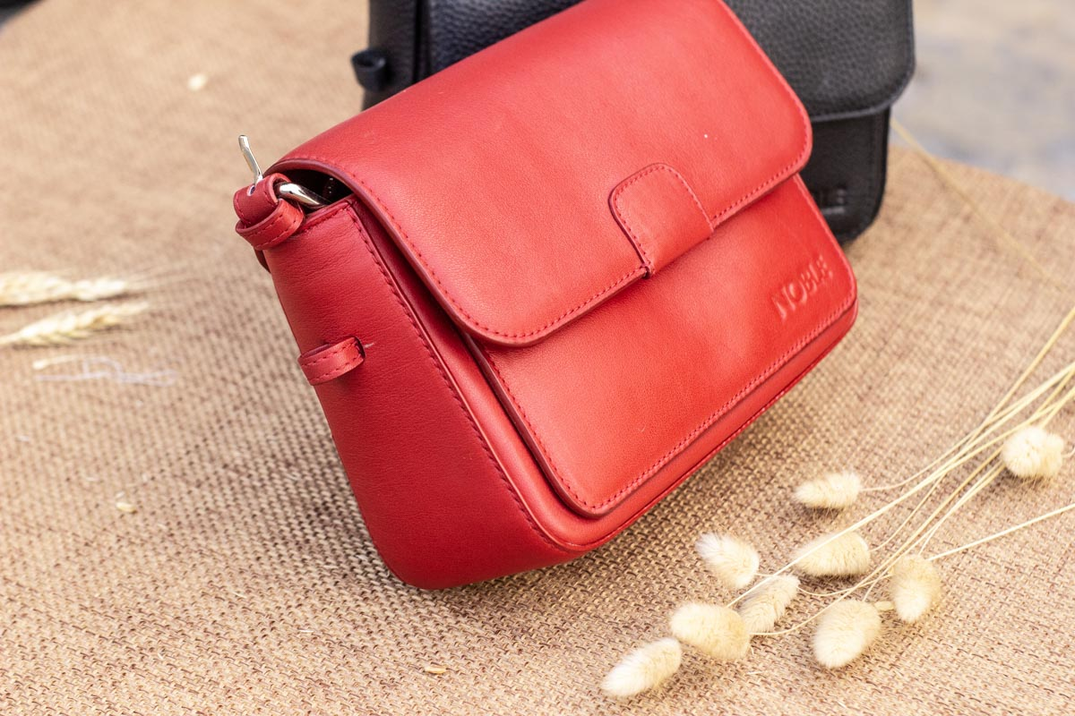 Túi xách nữ cỡ nhỏ, màu đỏ 15
