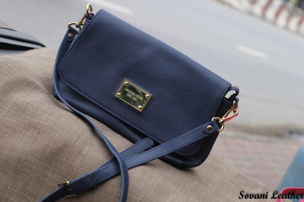 Túi xách nữ da bò màu xanh Navy 3